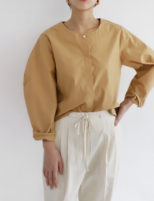 [STOCK SALE] BOUNDARY BLOUSE (2COLOR)
